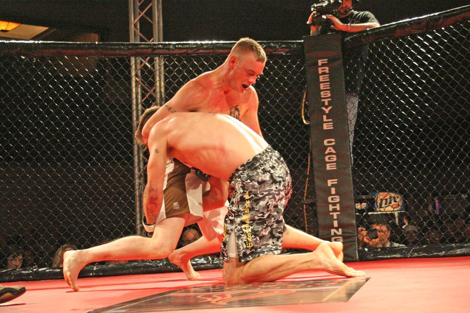 Freestyle Cage Fighting 27 Another Head Lock Image